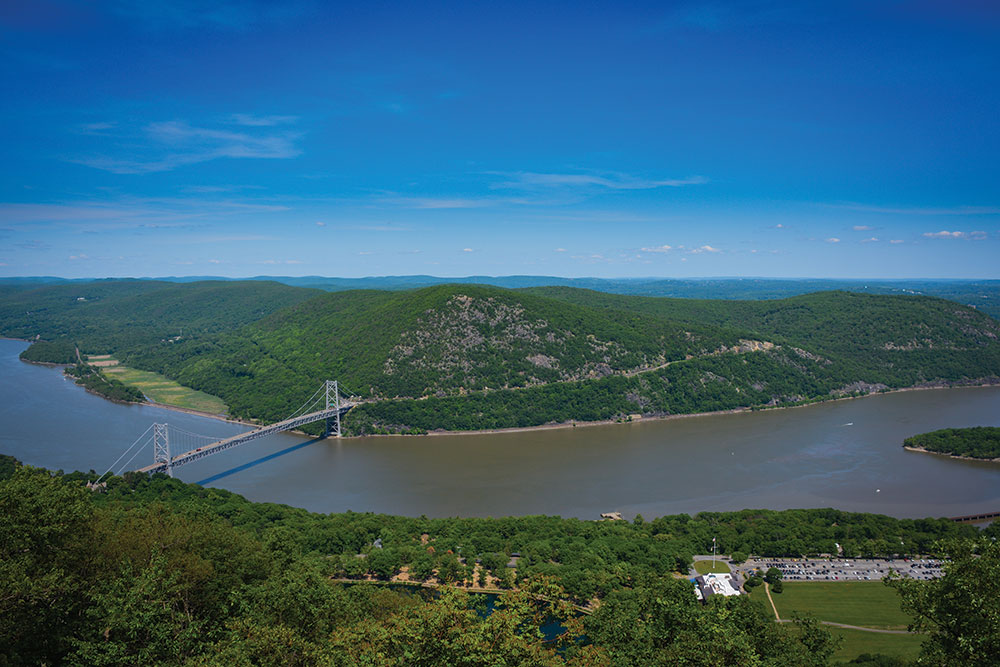 Bear-Mountain-Overlook-Credit-Josh-Howard-New-York-New-Jersey-Trail-Conference